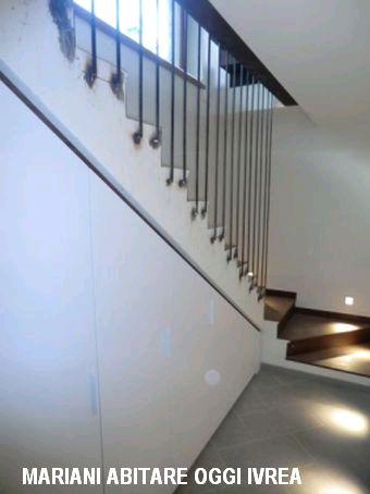 r alisation armoire sous escalier mobili mariani. Black Bedroom Furniture Sets. Home Design Ideas