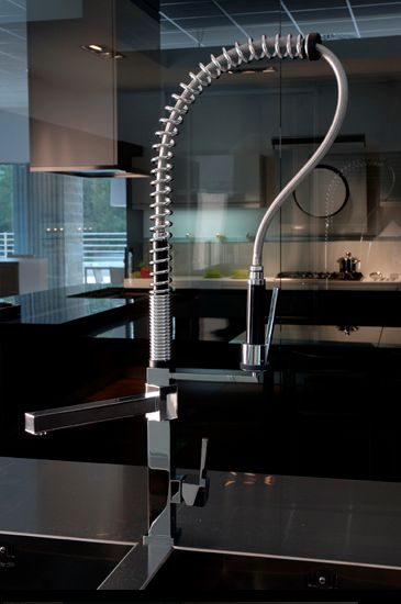 Gessi quadro hi tech cuisine for Cuisine moderne high tech