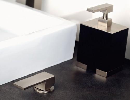 Accessori bagno mobili mariani for Gessi arredo bagno